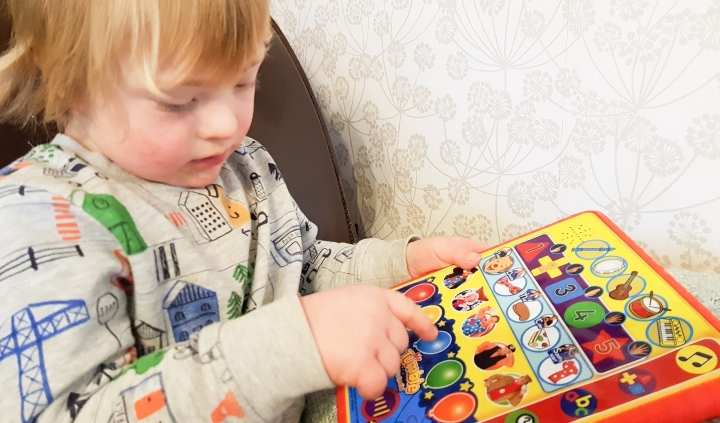 Mr Tumble Something Special Learning Pad Review