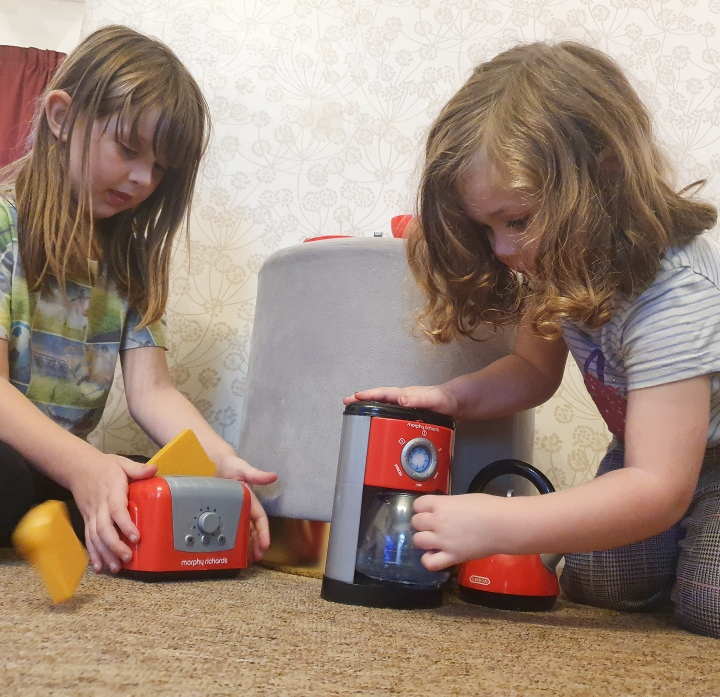Casdon Morphy Richards Kitchen Set Toy Review