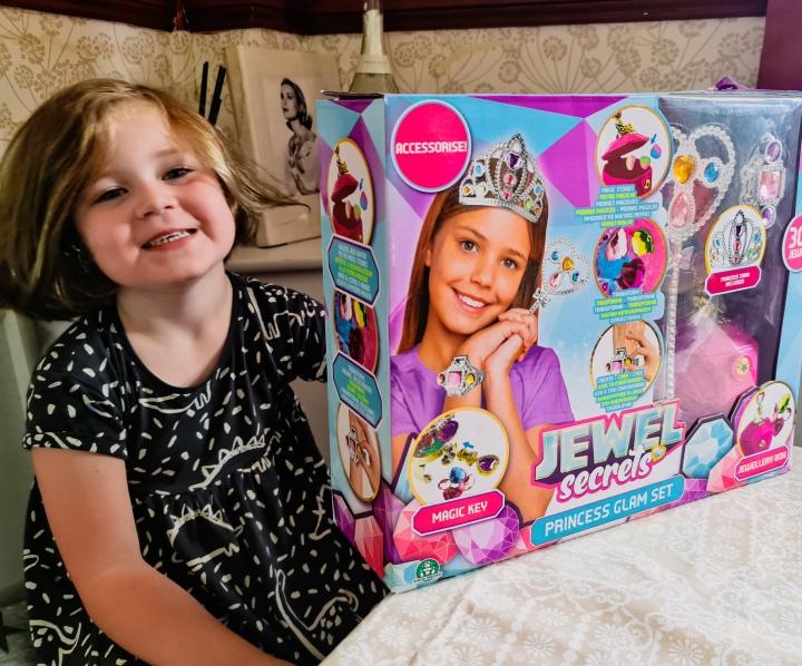 Jewel Secrets Princess Glam SetReview
